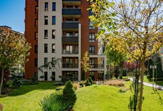 Este Home & Spa garden 1