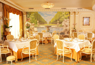 Este Restaurant 6